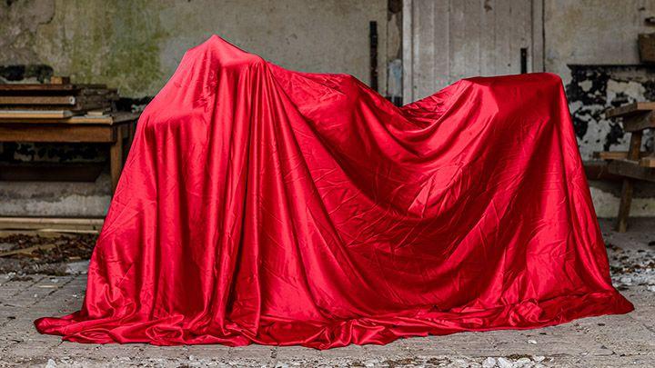 Motorbike Silk Reveal